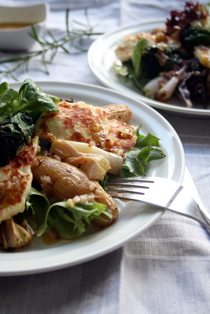 Roasted Shallot and Potato Salad with Halloumi - a wholesome winter salad, perfect comfort food for lunch on a grey afternoon   eatloveeats.com