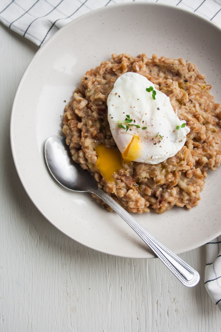 Salt-Baked Celeriac and Bacon Farro Risotto - a cosy, comforting bowlful of nutty farro risotto made with a deceptively simple salt-baked celeriac purée and chewy pieces of smoky bacon | eatloveeats.com