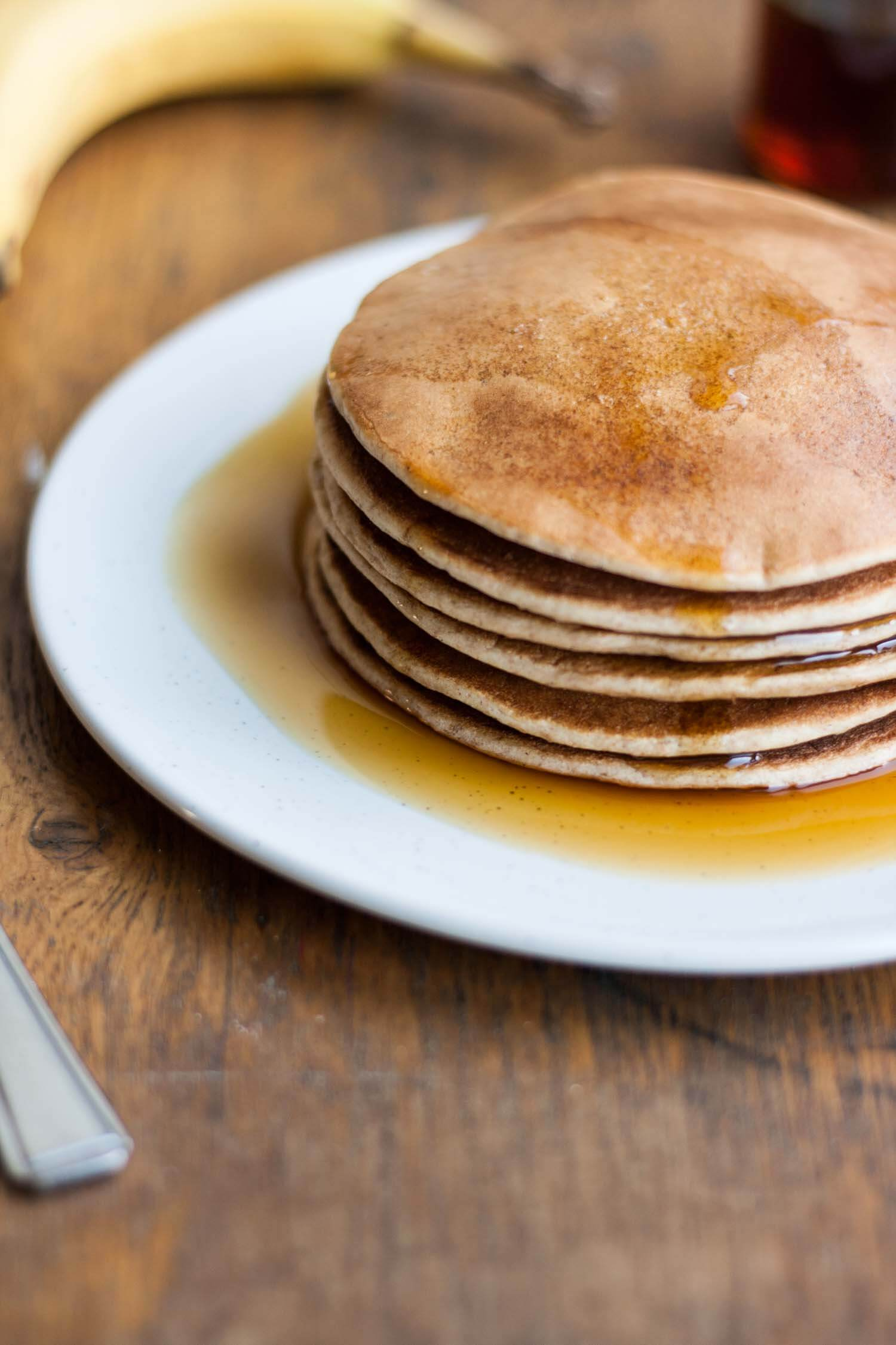 Naturally Sweetened Spelt Pancakes - these healthier pancakes are light yet filling and are dairy- and refined sugar-free!   eatloveeats.com