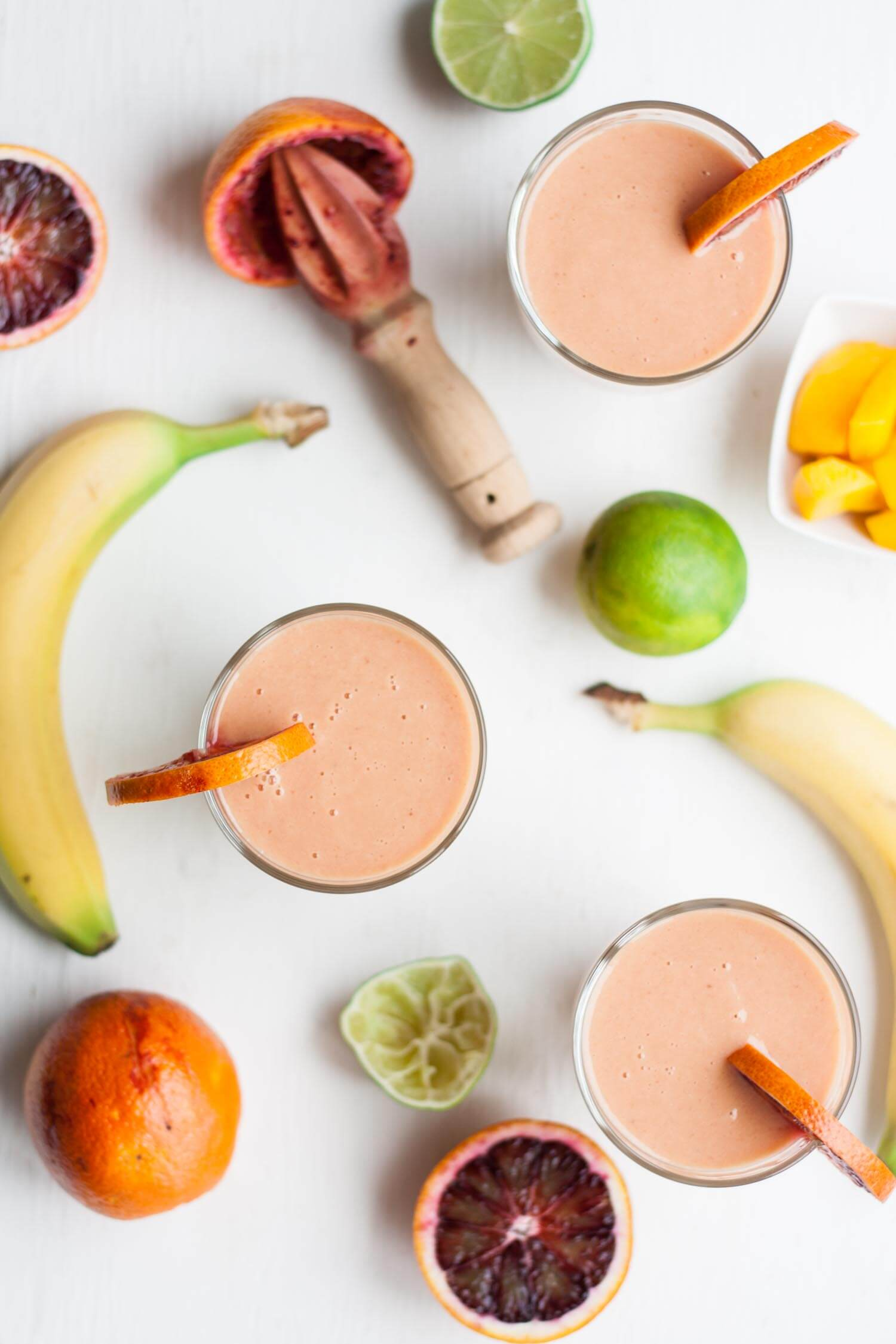 Blood Orange and Mango Smoothie - this seasonal fruit smoothie is the perfect simple healthy breakfast and takes just 5 minutes to make! | eatloveeats.com