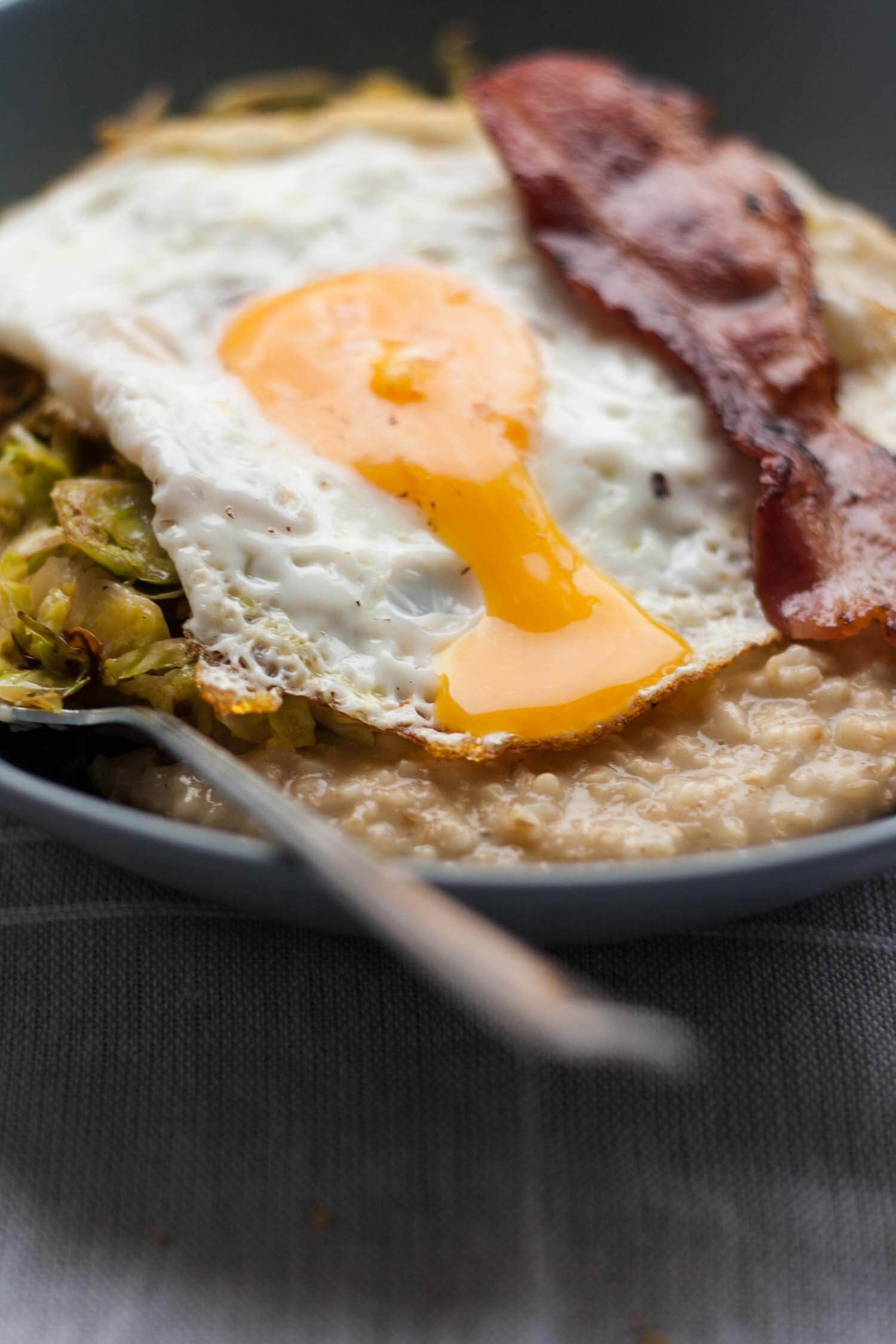 Savoury Porridge with Brussels Sprouts - this savoury oatmeal recipe is the perfect easy comfort food that is ready in less than half an hour! | eatloveeats.com