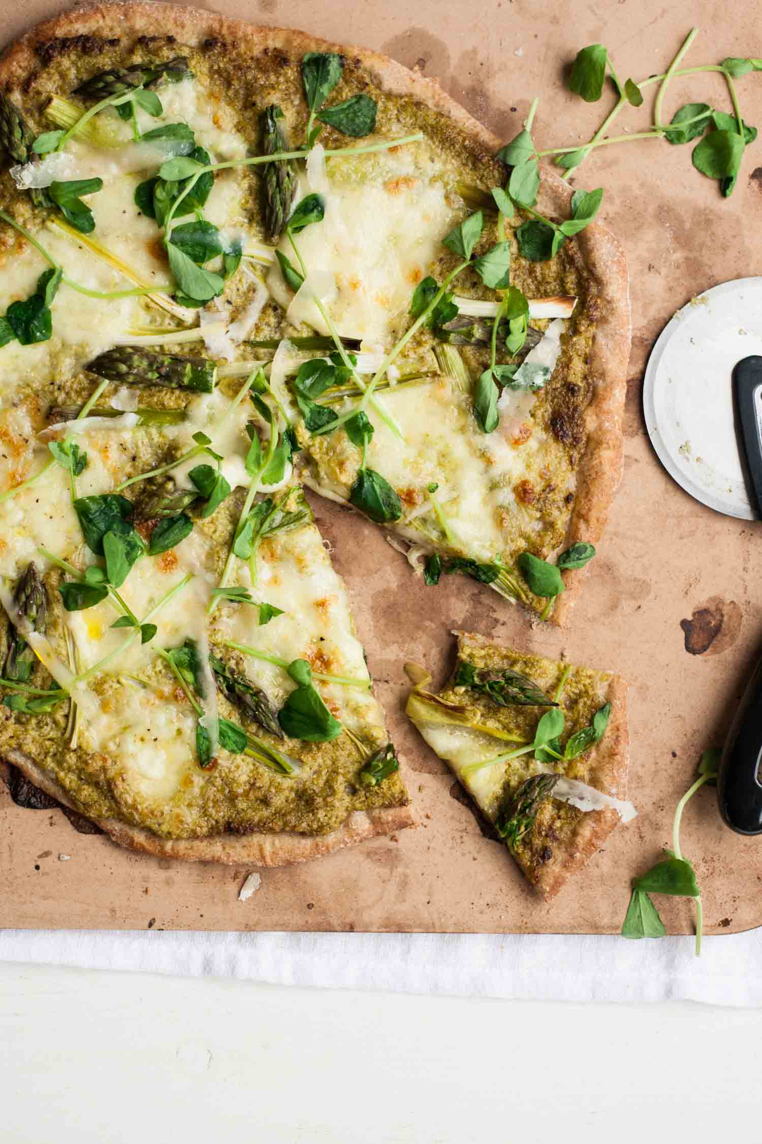 recipe: talian pesto pizza [17]