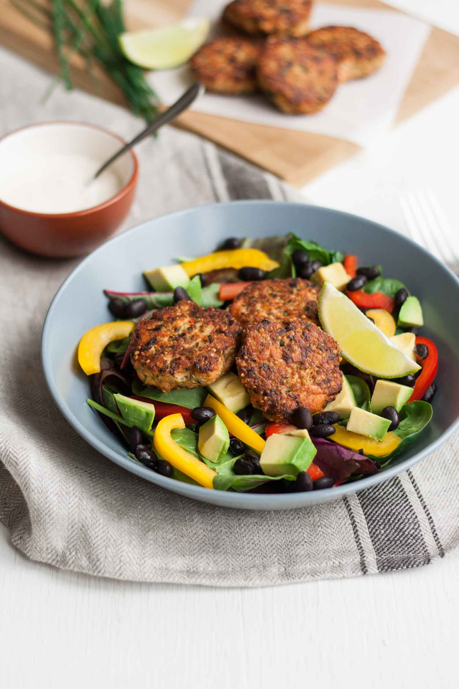 Cajun Salmon Slider Salad with Habanero Lime Dressing - this protein-packed salad bowl is like a flavour explosion in your mouth!   eatloveeats.com