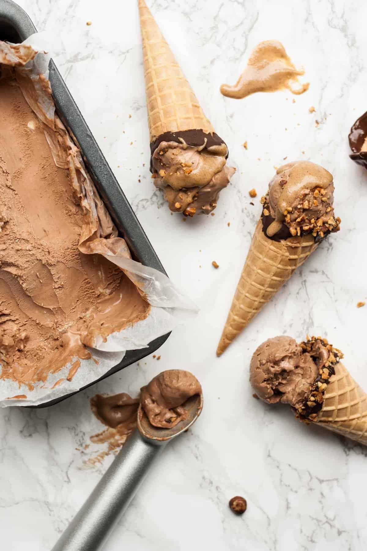 No Churn Mocha Ice Cream with Hazelnut Swirl - an easy no churn ice cream recipe packed with chocolate and coffee flavour and a hazelnut butter swirl | eatloveeats.com