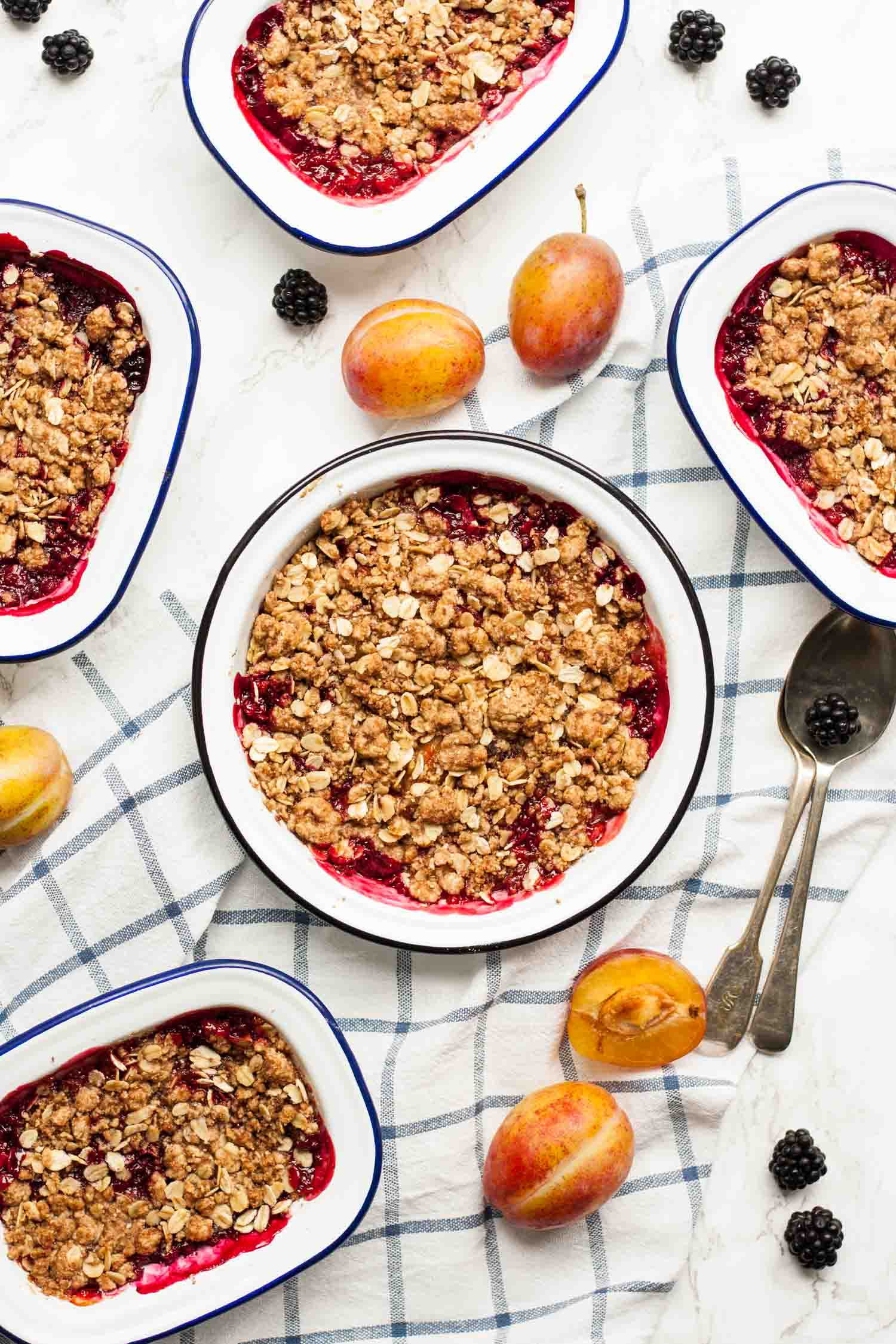 Plum and Blackberry Crisp - this comforting dessert is full of the flavours of late-summer fruits and is the perfect transition into fall | eatloveeats.com