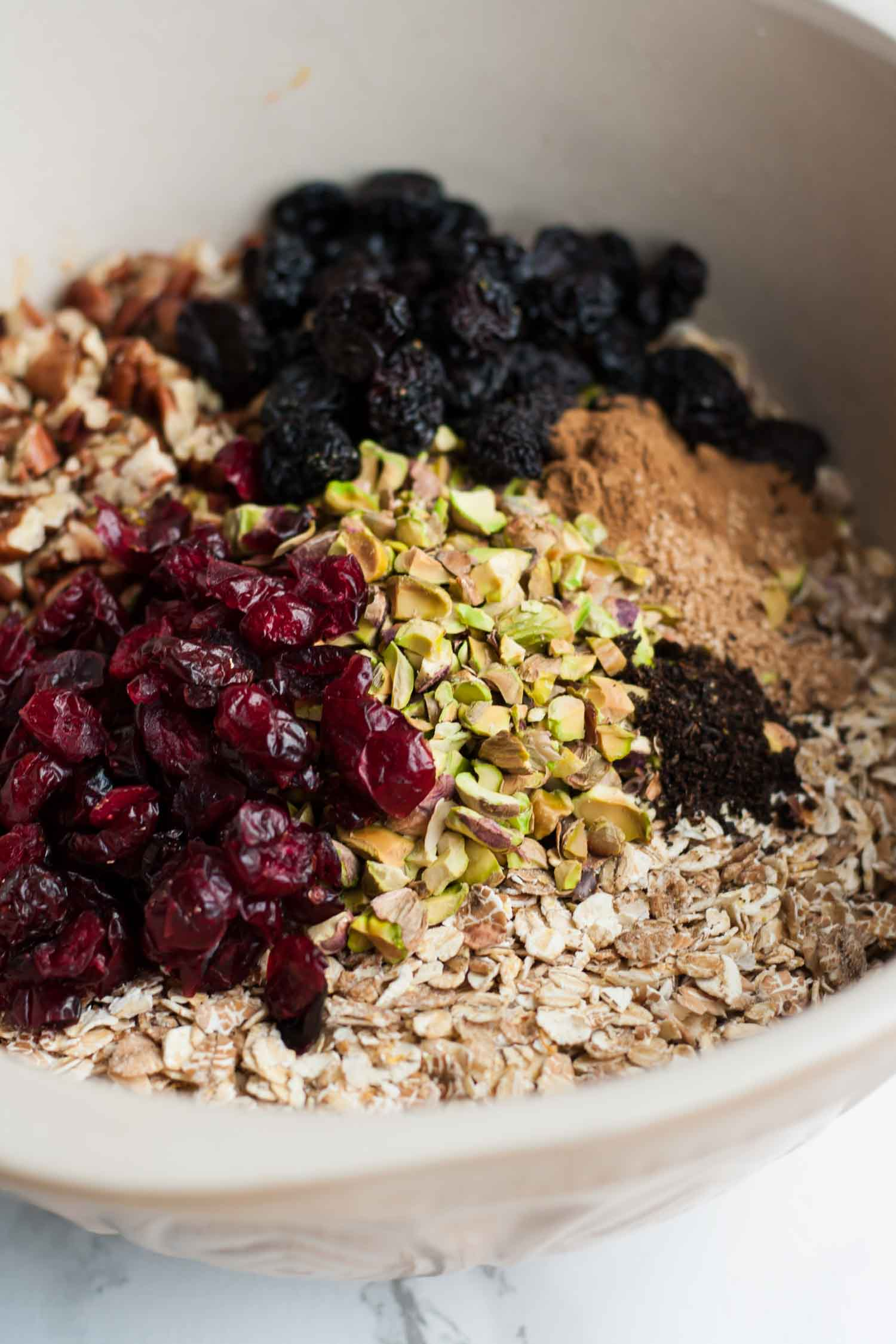 Christmas Muesli - this festive spiced muesli makes for a delicious breakfast and a lovely edible gift!   eatloveeats.com