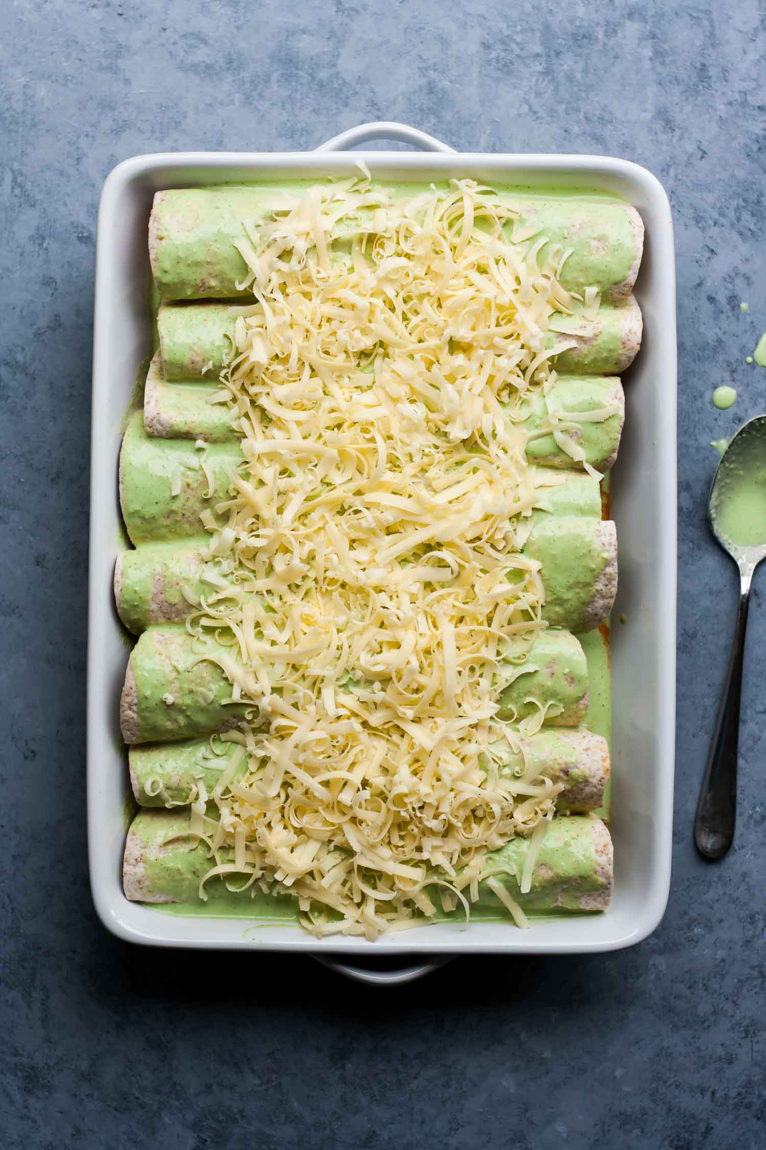Easy Green Enchiladas | Quick Dinners | Chicken Enchiladas | Chicken Recipes | Simple Recipes