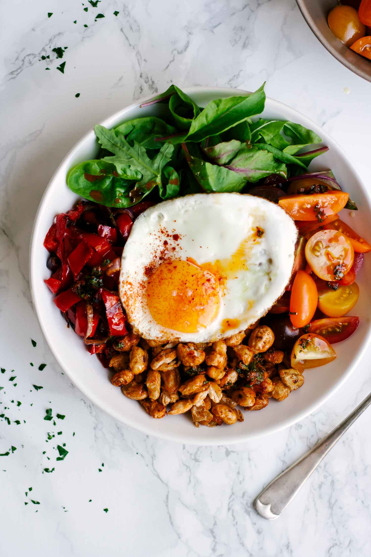 Smoky Cannellini Bean Nourish Bowls | Healthy | Vegetarian | Summer | Peppers | Tomatoes | Recipe